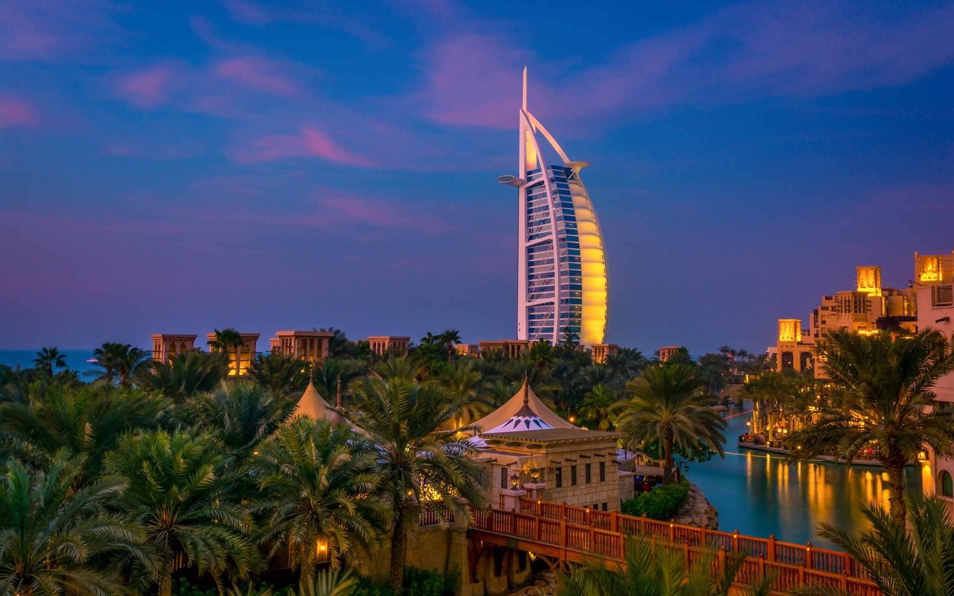 Cute Iphone 5c Wallpapers Wallpaper Dubai Night City Trees River Villa