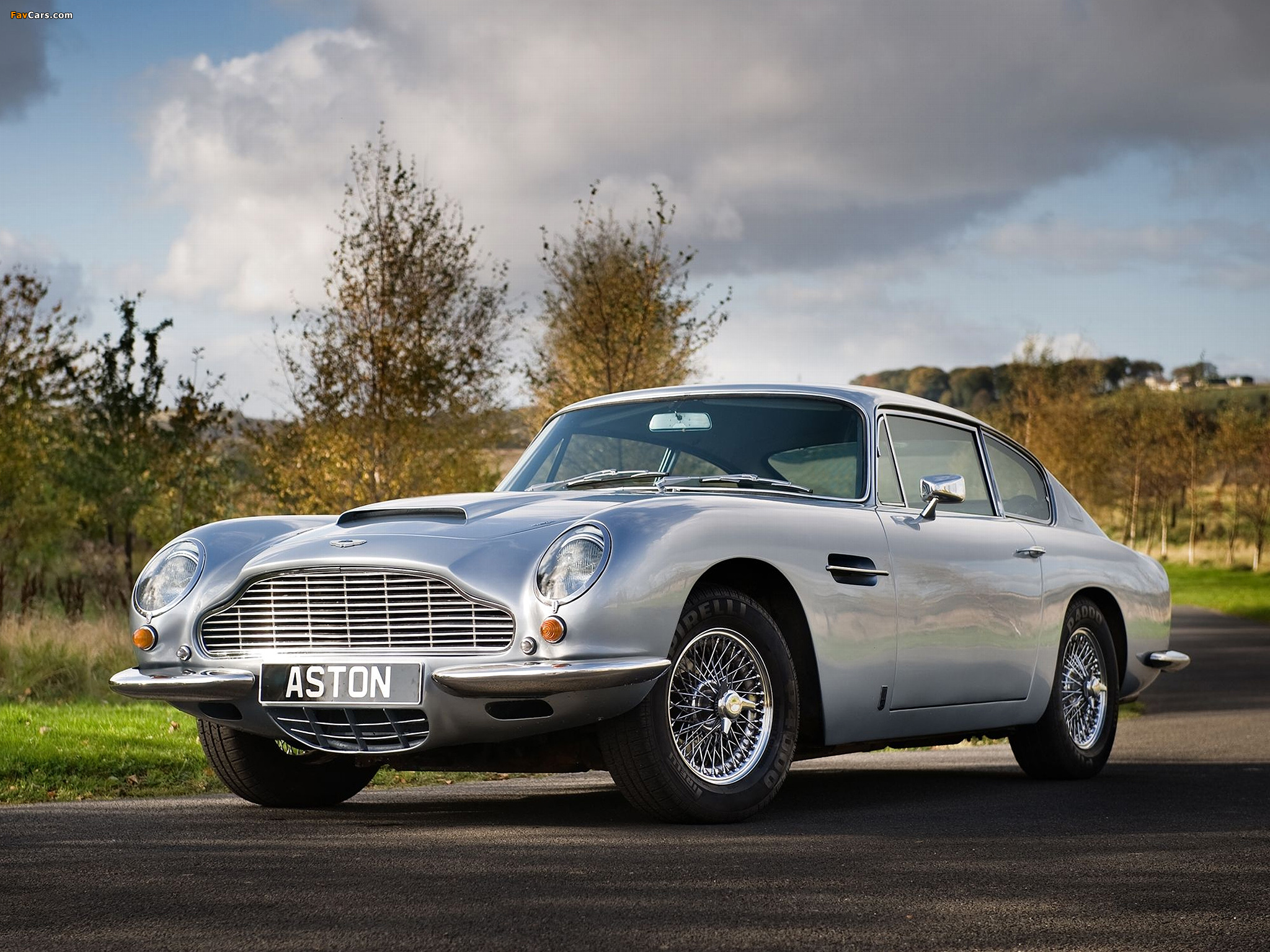 Classic Car Wallpaper Murals 1969 Aston Martin Db6 Photos Informations Articles
