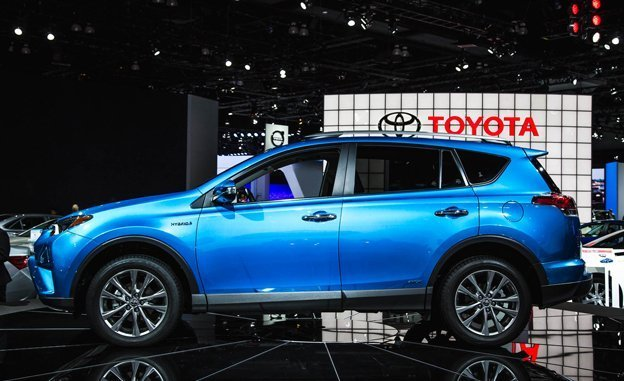 2016 Toyota Rav4 Photos, Informations, Articles - BestCarMag