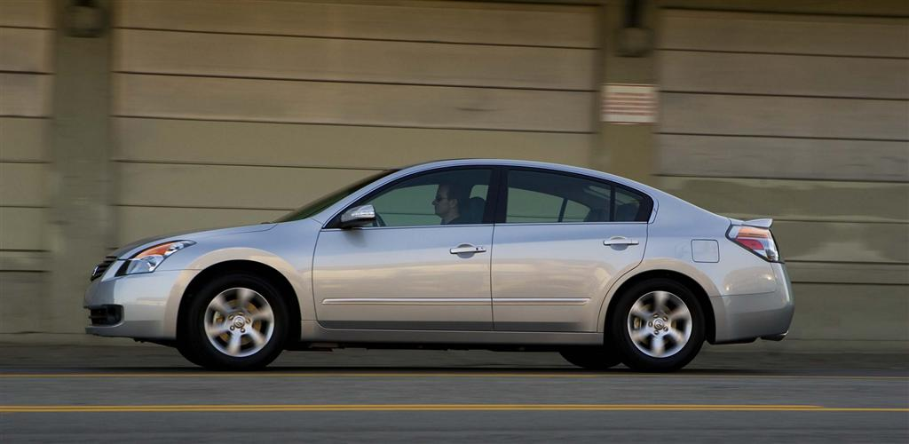 2008 Nissan Altima Photos, Informations, Articles - BestCarMag