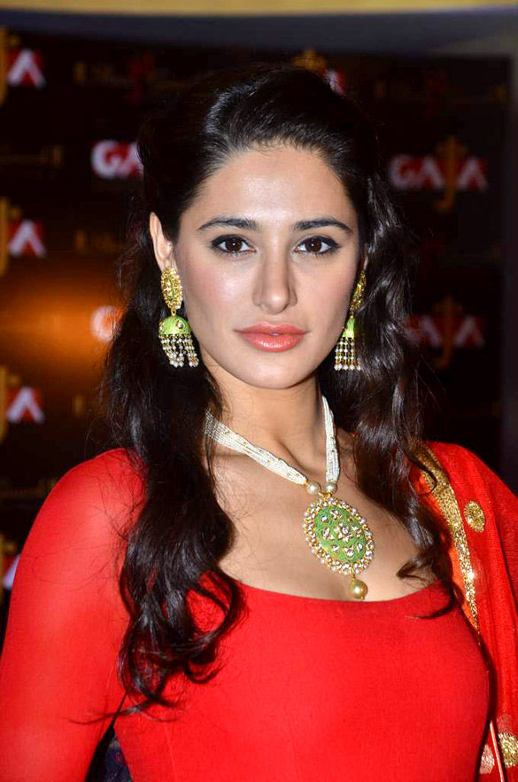Beautiful Wallpapers With Quotes In Urdu Nargis Fakhri Best Pictures Of Celebrity