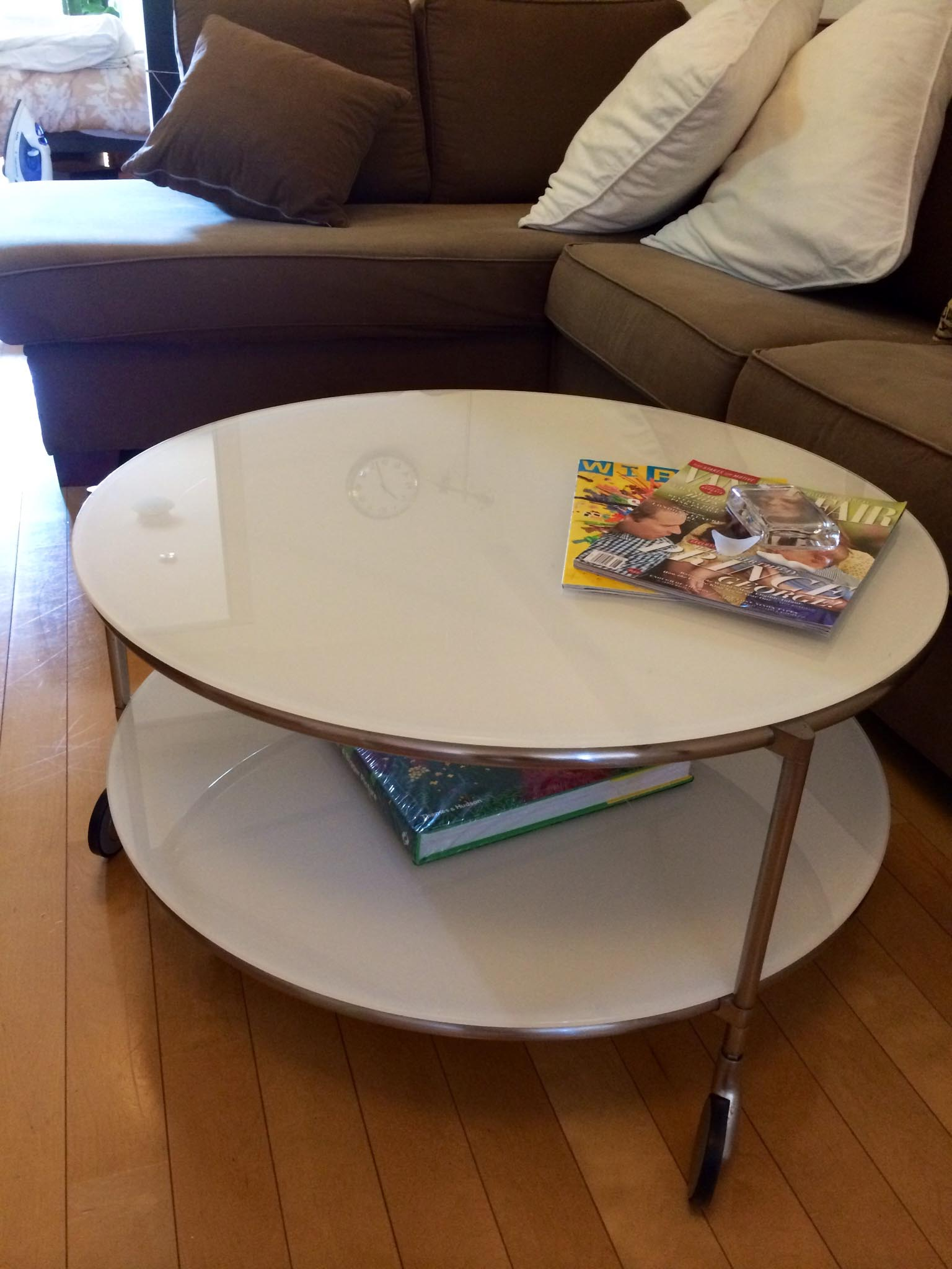 Round Coffee Table On Wheels Practical People Choose A Coffee Table On Wheels Coffee