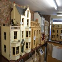 Victorian Dollhouse Furniture - Looks Good, Feels Even ...
