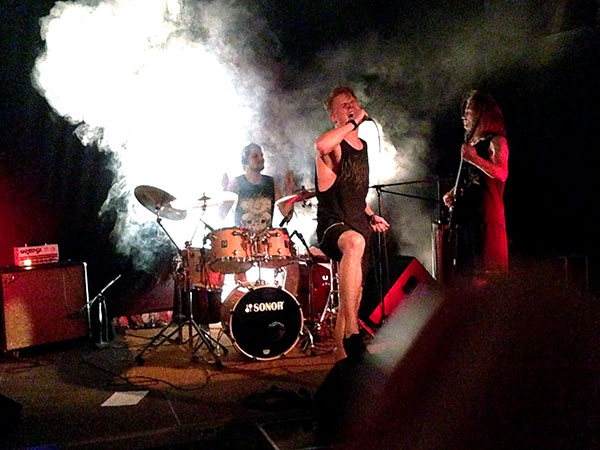 Rock das Feld live Eohalis aus Berlin