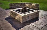 How to Build a Flagstone Fire Pit Out of a Kit | Fire Pit ...