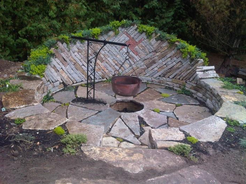Natural Rock Fire Pit Fireplace Design Ideas