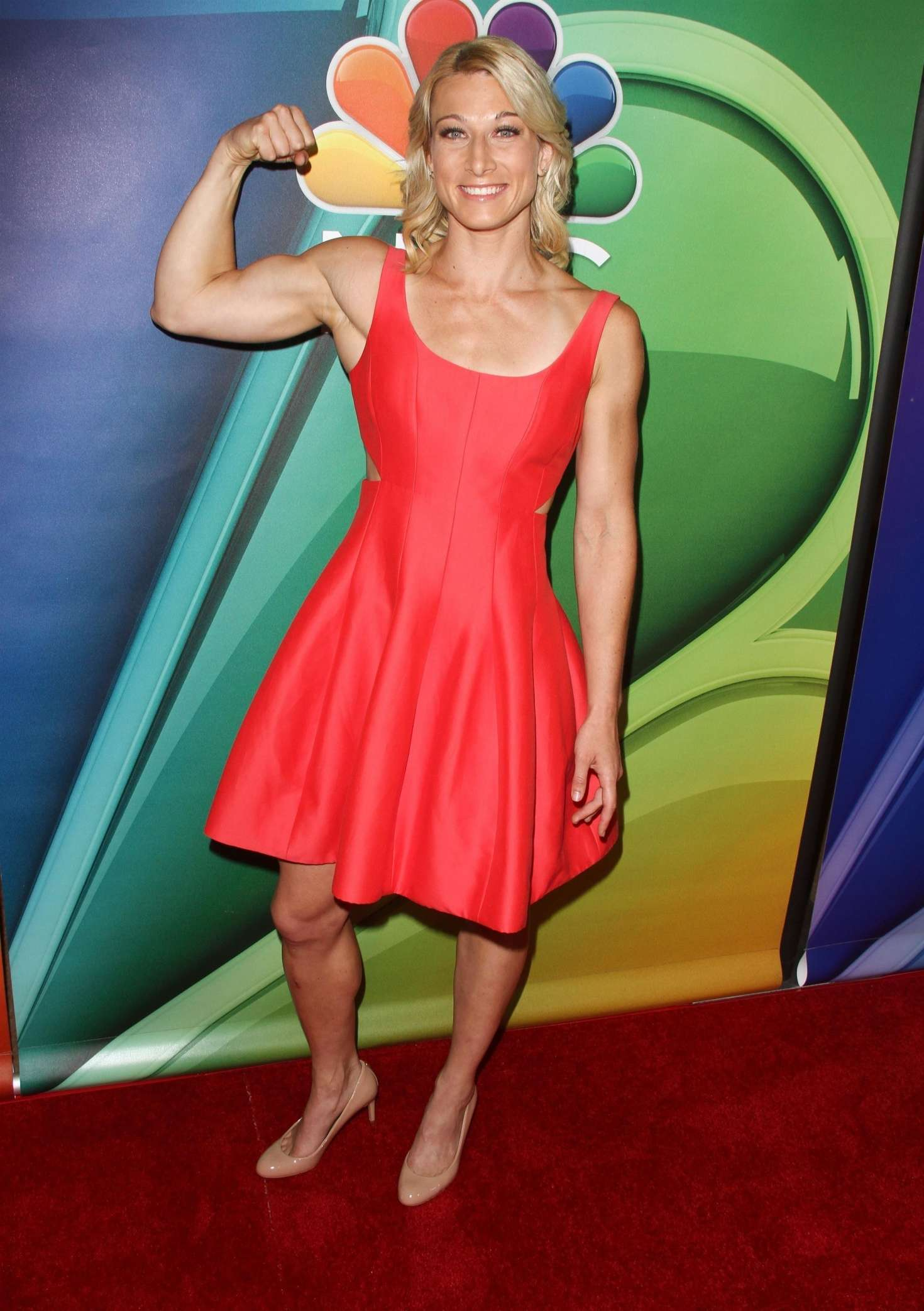 Saturn Girl Wallpapers 35 Hot Pictures Of Jessie Graff Supergirl Stunt Double