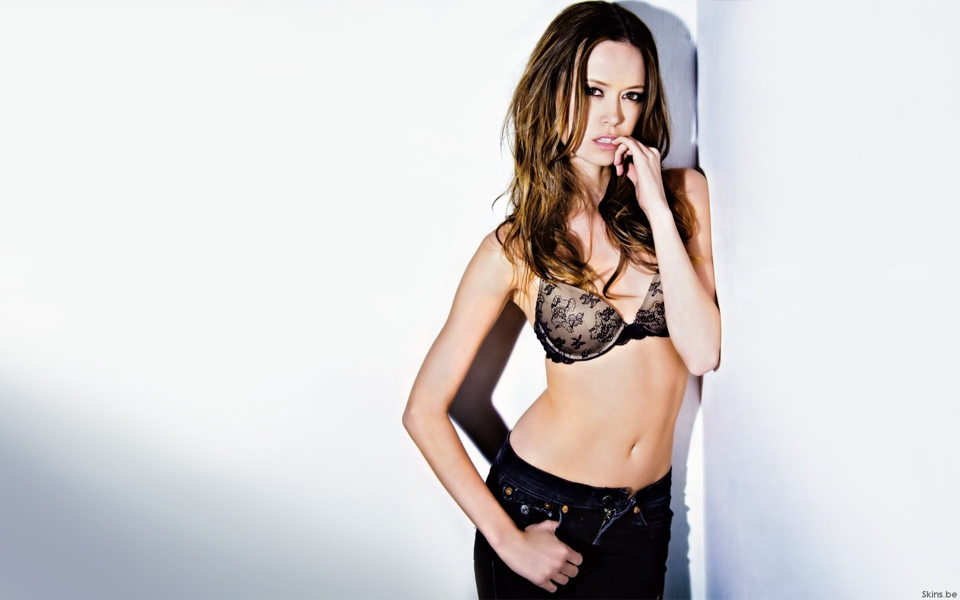 Gillian Anderson The Fall Wallpaper 39 Hottest Summer Glau Pictures Will Get You All Sweating