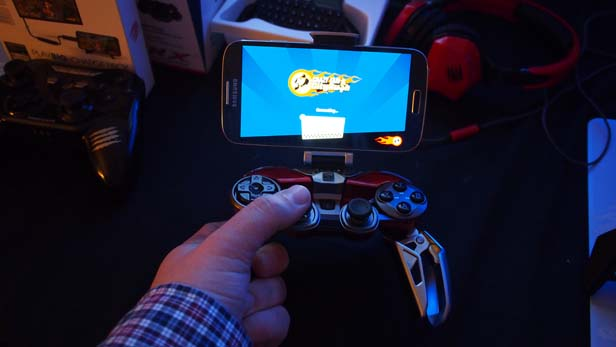 Mad Catz L.Y.N.X. 9 Review