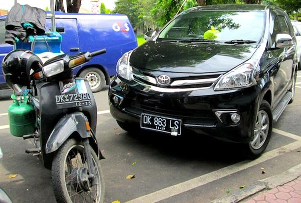 Toyota Avanza Indonesia January 2013