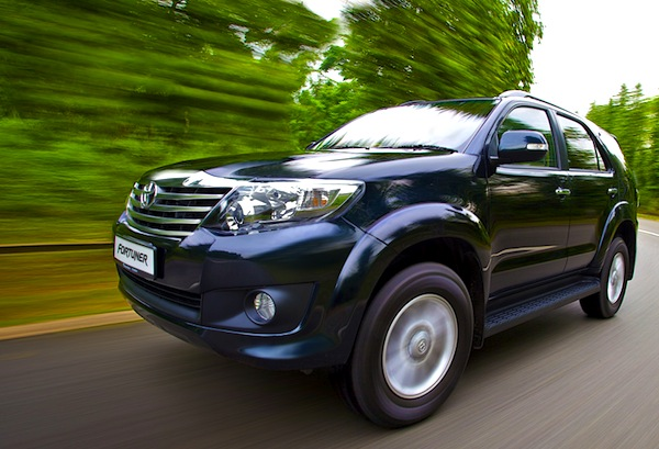 Toyota Fortuner Vietnam August 2013
