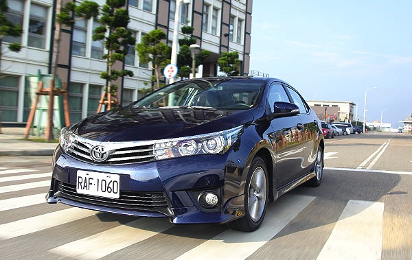Toyota Corolla Taiwan February 2015. Picture courtesy of u-car.com.tw