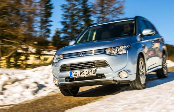 Mitsubishi Outlander Sweden 2014. Picture courtesy of conceptcarz.com