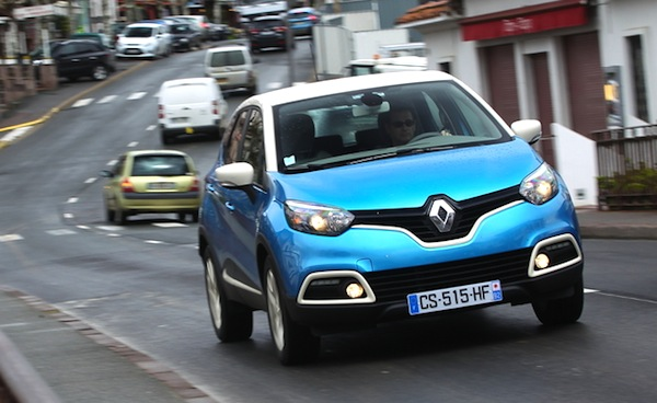 Renault Captur Europe December 2013. Picture courtesy of automobile-magazine.fr