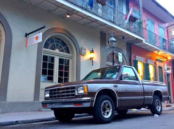 19. Chevrolet vintage NOLA