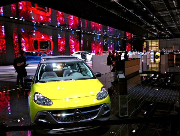 8. Opel stand