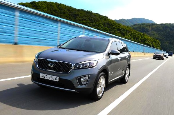 Kia Sorento South Korea September 2014. Picture courtesy of ajunews.com