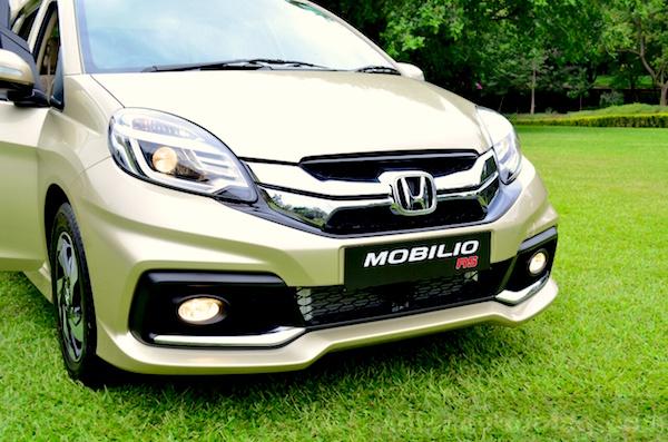 Honda Mobilio RS Singapore February 2015. Picture courtesy indiaautosblog.com