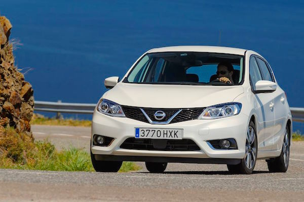 Nissan Pulsar Ireland April 2015