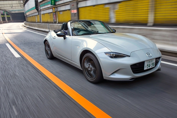 Mazda Roadster Japan May 2015. Picture courtesy response.jp