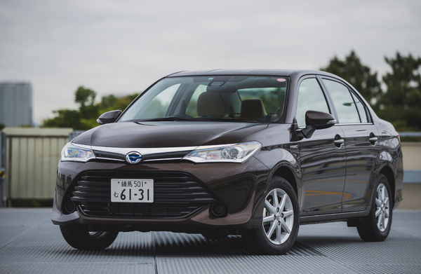 Toyota Corolla Japan May 2015. Picture courtesy response.jp
