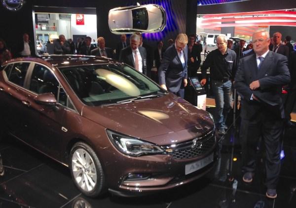 Opel Astra Martin Winterkom Frankfurt 2015