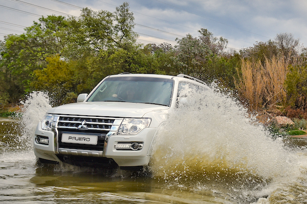 Mitsubishi Pajero UAE September 2015