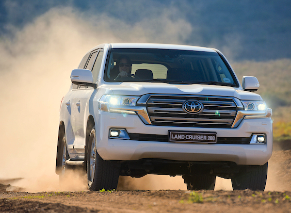Toyota Land Cruiser Qatar 2015