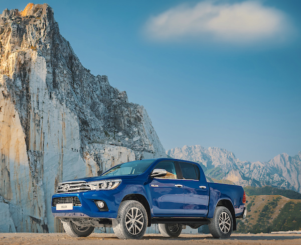 Toyota Hilux South Africa November 2015