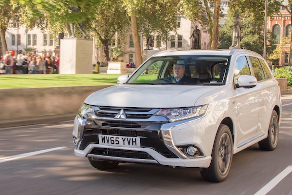 Mitsubishi Outlander PHEV Norway March 2016
