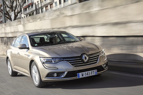 Renault Talisman France March 2016. Picture courtesy largus.fr