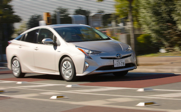 Toyota Prius Japan March 2016. Picture courtesy openers.jp