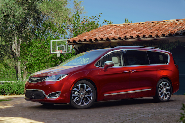 Chrysler Pacifica Canada March 2016