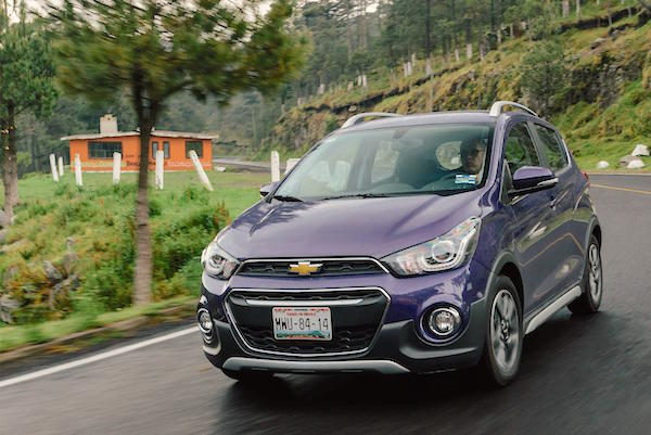Chevrolet Spark Mexico June 2016. Picture courtesy autocosmos.com