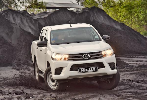Toyota Hilux Malaysia May 2016