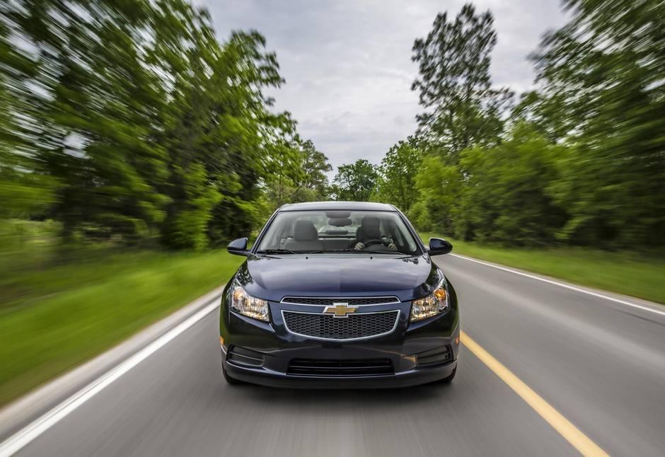 Should I buy a used Chevy Cruze or a Hyundai Elantra? - The Globe
