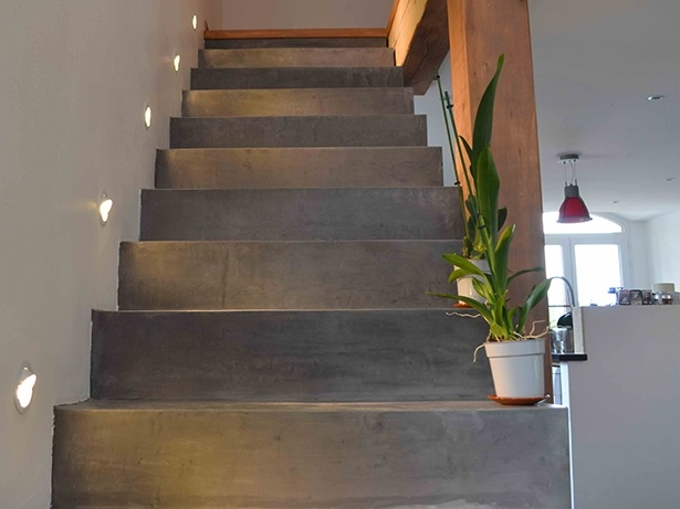 Renover Escalier Carrelé Application Du Beton Cire Sur Un Escalier - Arcane Industries