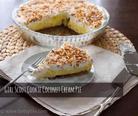 coconut-cream-pie-girl-scout-cookie-shortbread-whole-text
