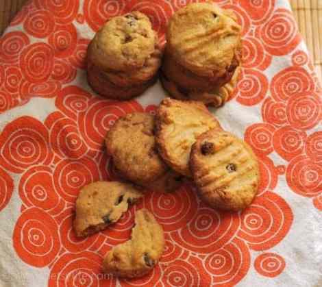 peanut-brittle-cookies-recipe-serving