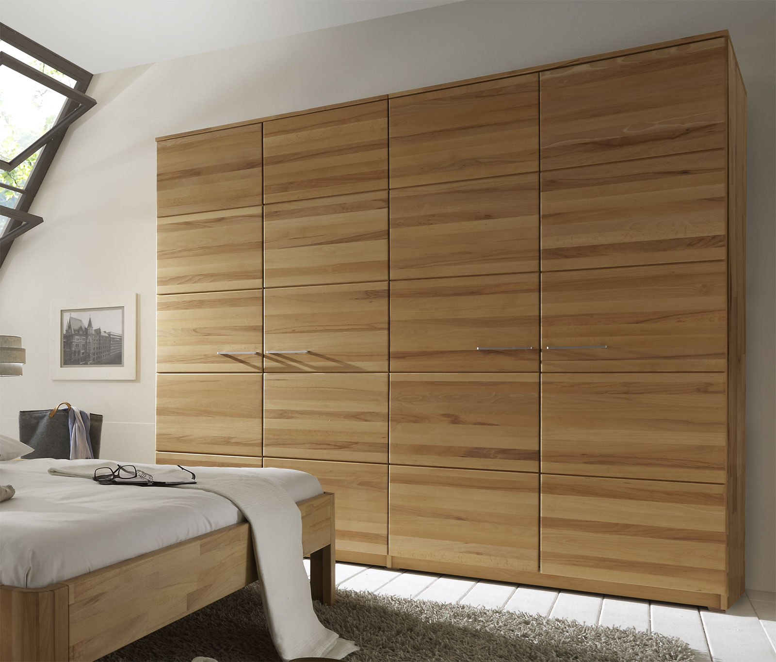 schlafzimmerschrank holz massiv kleiderschrank kiefer massiv gelaugt ge lt luxury fotografie. Black Bedroom Furniture Sets. Home Design Ideas