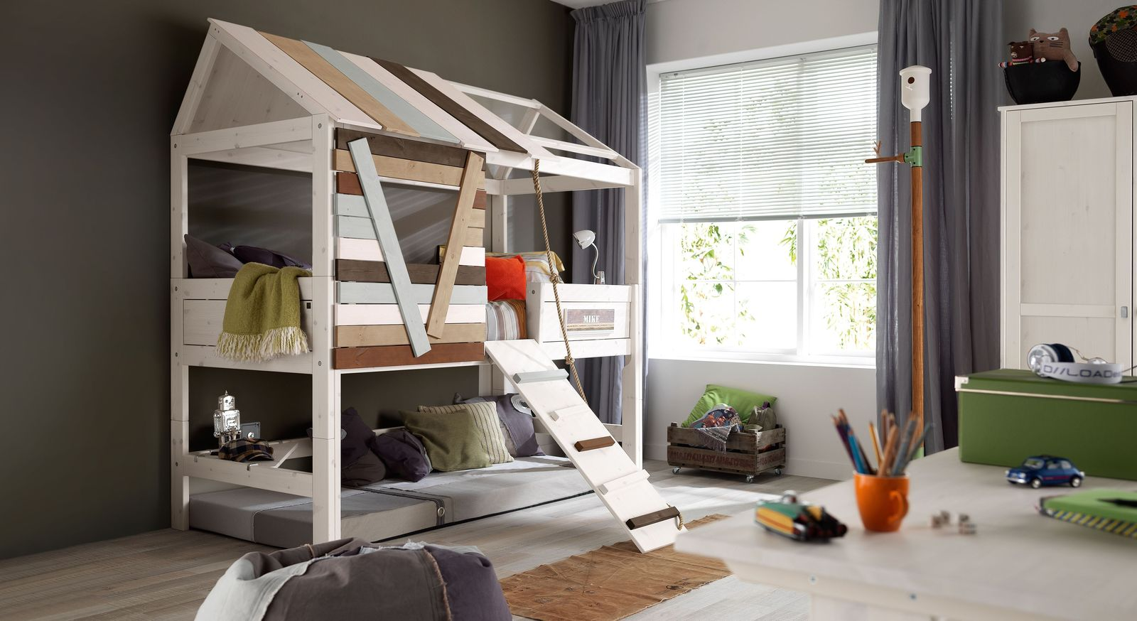Kinderspielbett Hohes Lifetime Spielbett Aus Kiefer In Baumhaus Optik