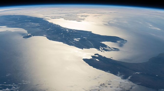 iss-42_new_zealand_in_sunglint_large_resolution