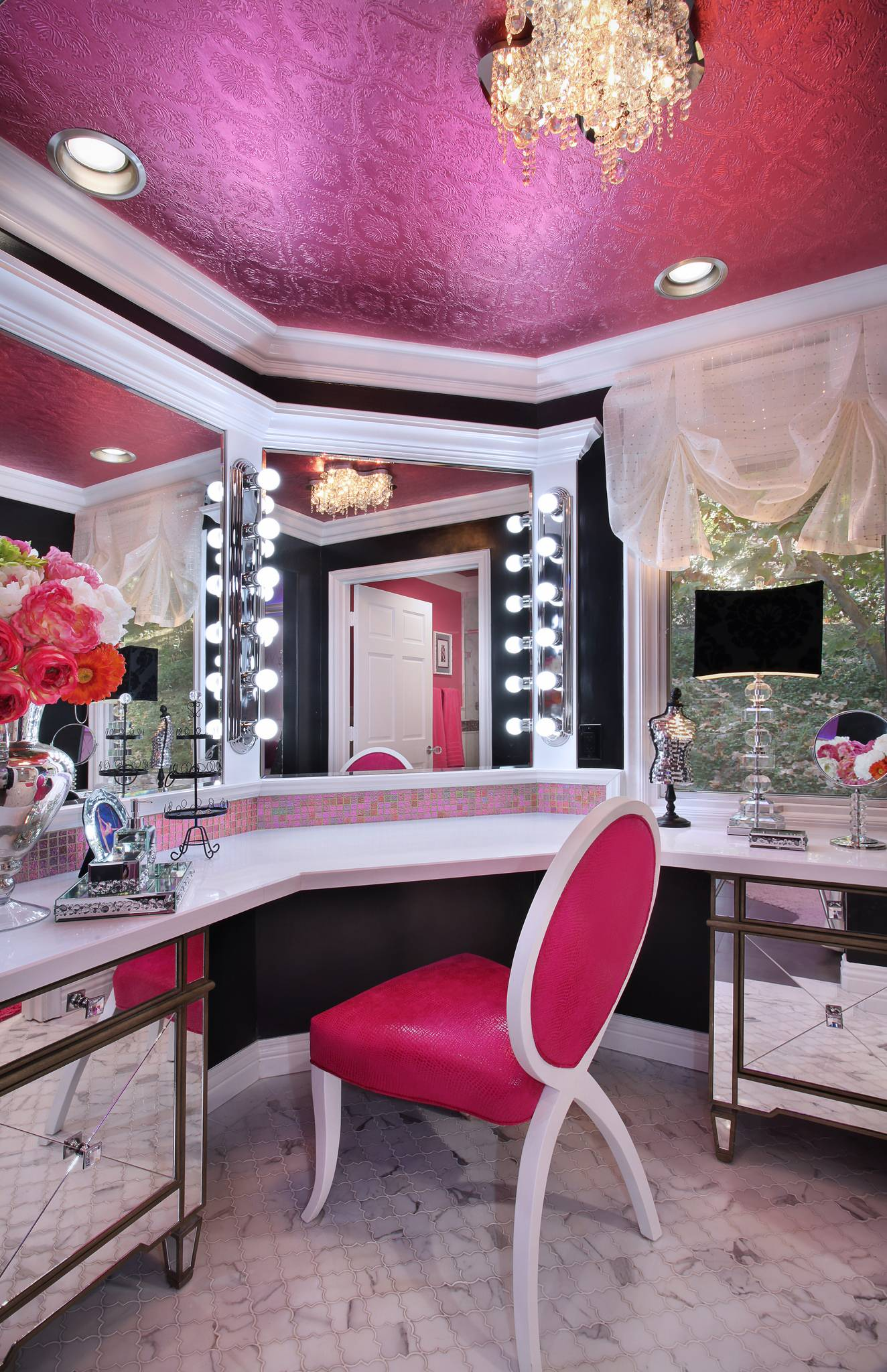 Glamour Home Decor 7 Steps To Your Own Kylie Jenner Inspired Glam Room