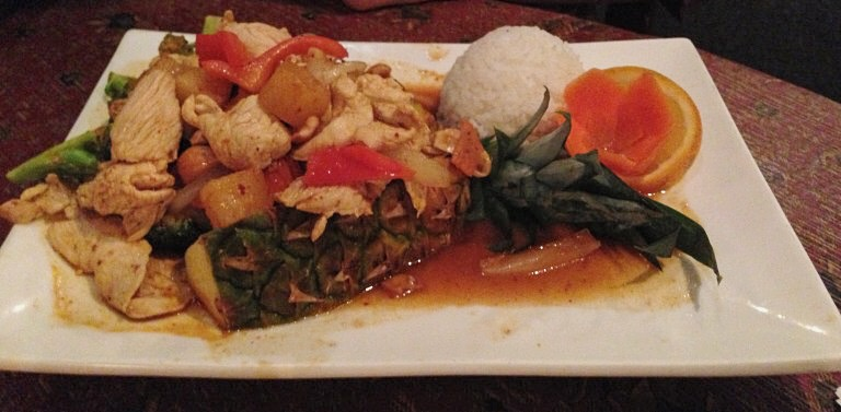 white elephant thai food huntingdon valley himmaparn