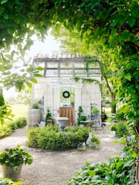 Build a Greenhouse or Potting Garden Shed From Old Windows ...
