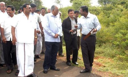 Alagiri ona visit to Madurai in 2009(Courtesy: The Hindu)