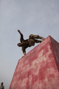 Iraqi Soldier Leap Over Wall - small