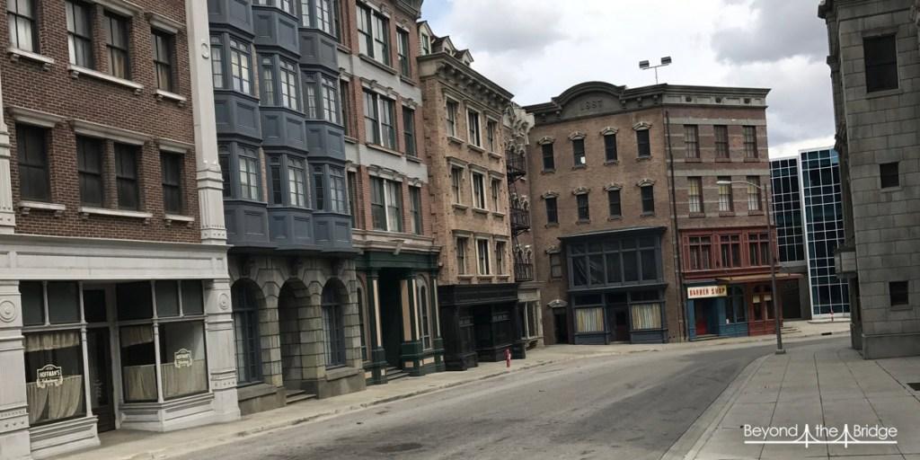 Derrière ces façades, juste des structures pour les faire tenir !