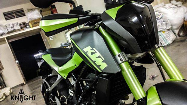 Girl Bar Wallpaper Red Neon Modified Duke 200 In Green Shade By Knight Auto Customizers