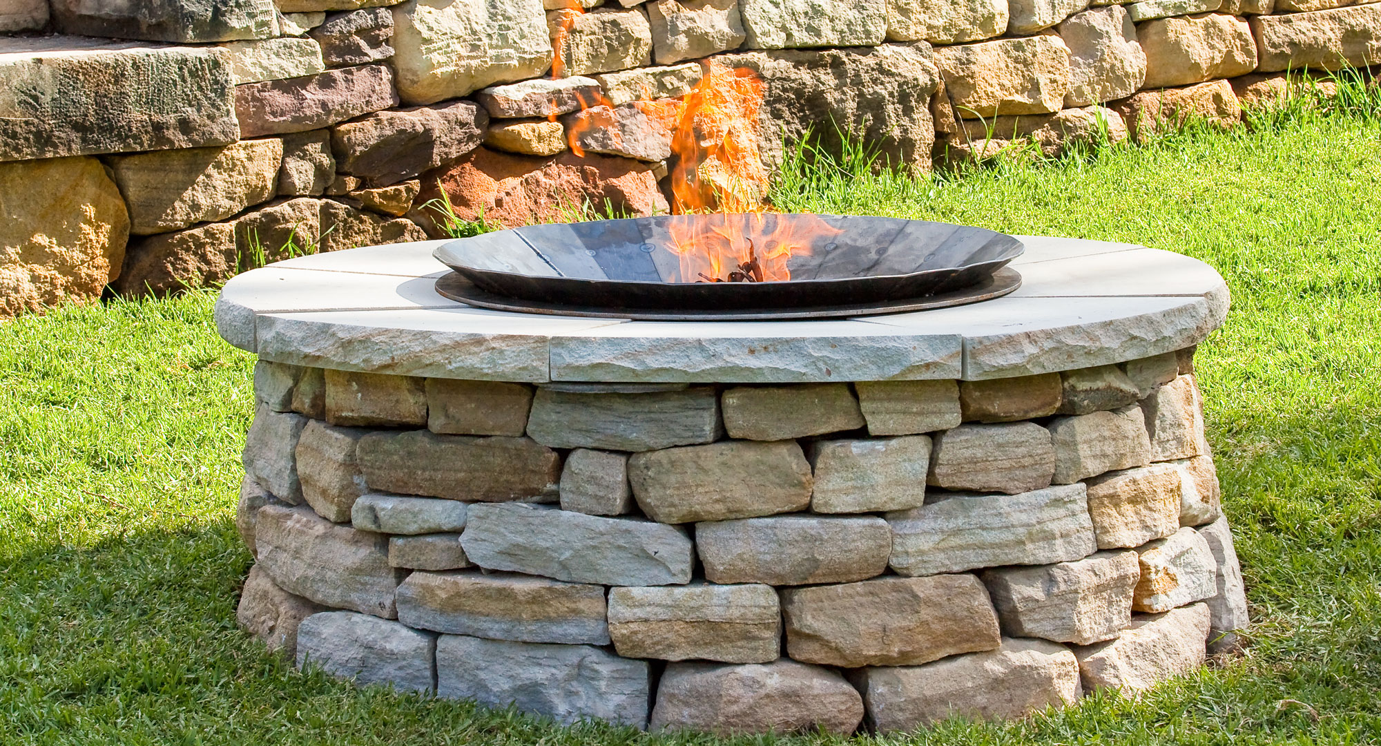Make Your Own Outdoor Fireplace Make Your Own Backyard Fire Pit Diy Gardening Craft